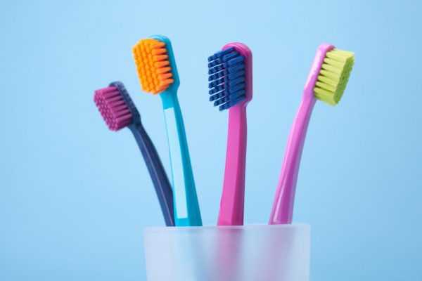 Казка про зубну щітку